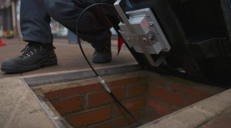 aceras inteligentes con tecnologia en la calle