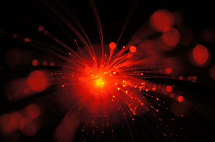movistar frenara despliegue nueva regulacion de fibra optica