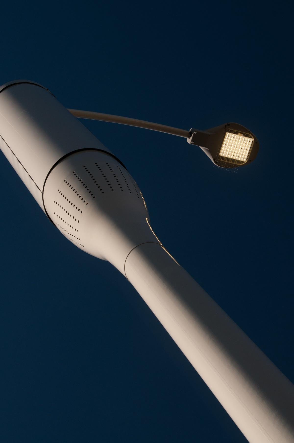novedoso sistema de iluminacion de las farolas con cobertura 4g