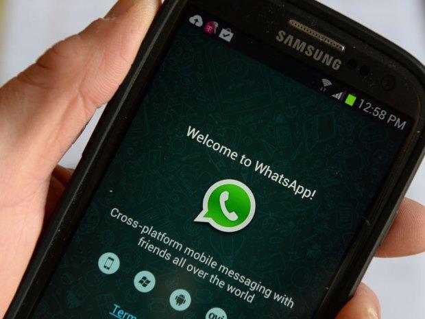 WhatsApp gratis con anuncios